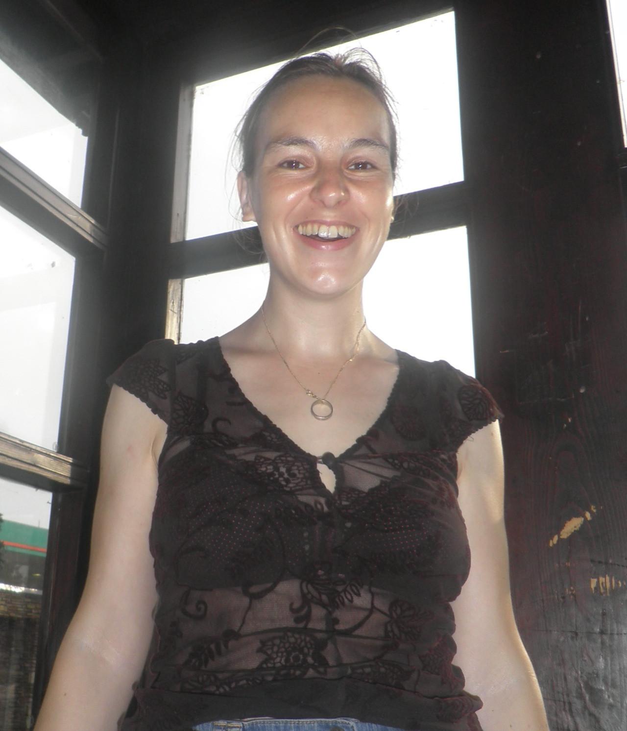 Опытная австрийка Даниэла часто позирует перед вебкой